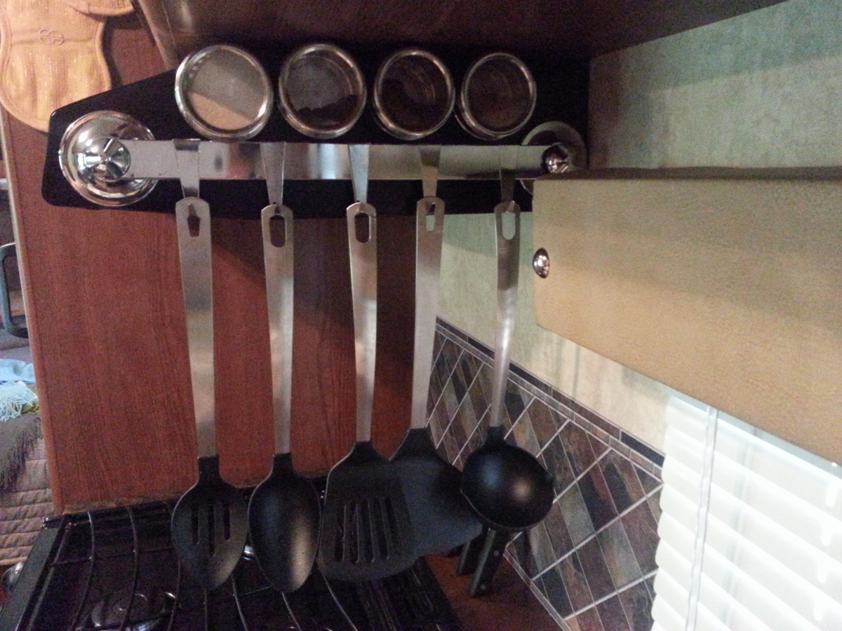 Click image for larger version  Name:Spice Containers and Rail for Hanging Utensils.jpg Views:722 Size:379.1 KB ID:64317