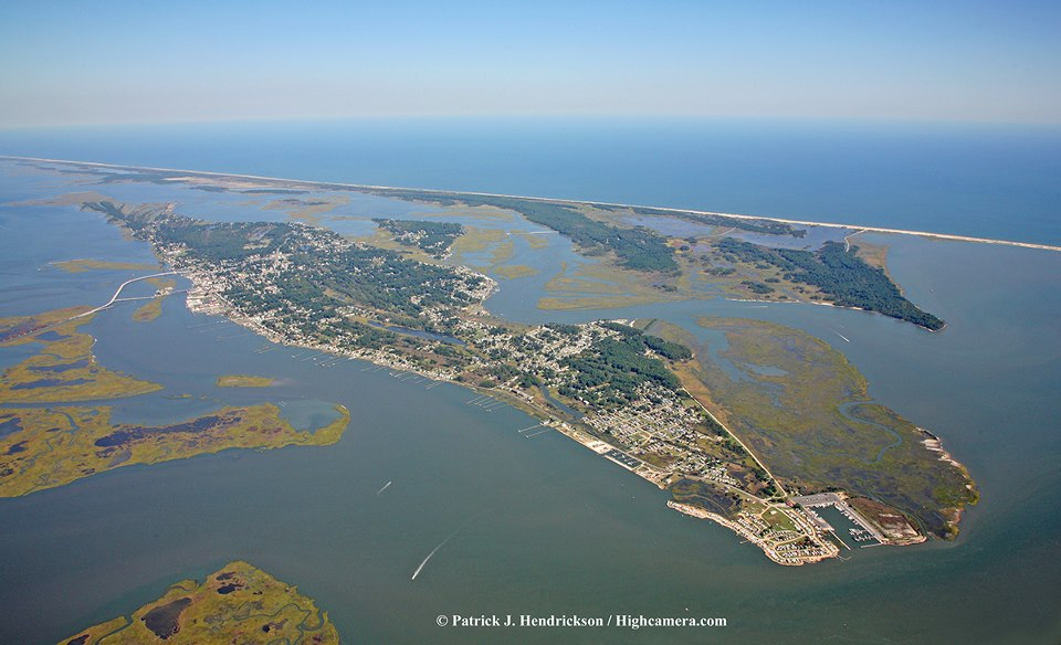 Click image for larger version  Name:ChincoteagueIsland.jpg Views:103 Size:98.7 KB ID:65469