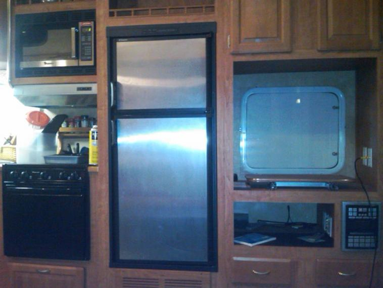 Click image for larger version  Name:cabinets.jpg Views:64 Size:45.8 KB ID:6609