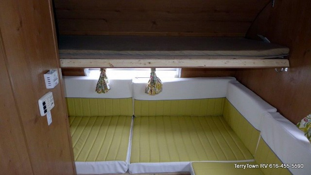 Click image for larger version  Name:reissue 19 buttercup bunk.jpg Views:1275 Size:42.6 KB ID:67234