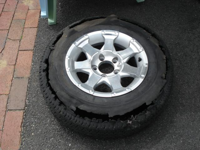 Click image for larger version  Name:tire failure.jpg Views:84 Size:47.4 KB ID:6835