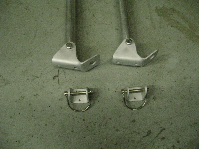 Click image for larger version  Name:Inner poles, pivot brackets, stow brackets & retaining pins.JPG Views:124 Size:118.6 KB ID:70119