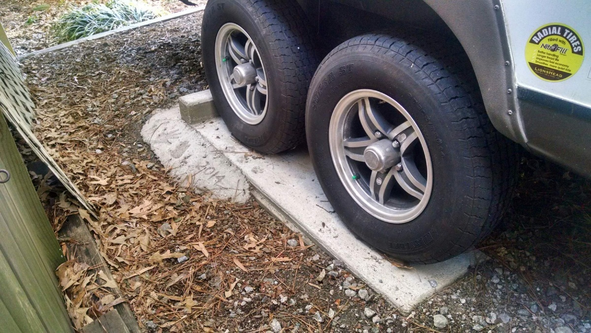 Click image for larger version  Name:Wheel Chock Close Up.jpg Views:119 Size:432.5 KB ID:70928