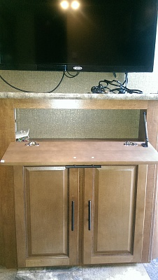 Click image for larger version  Name:Entertainment cabinet.jpg Views:105 Size:257.2 KB ID:71459