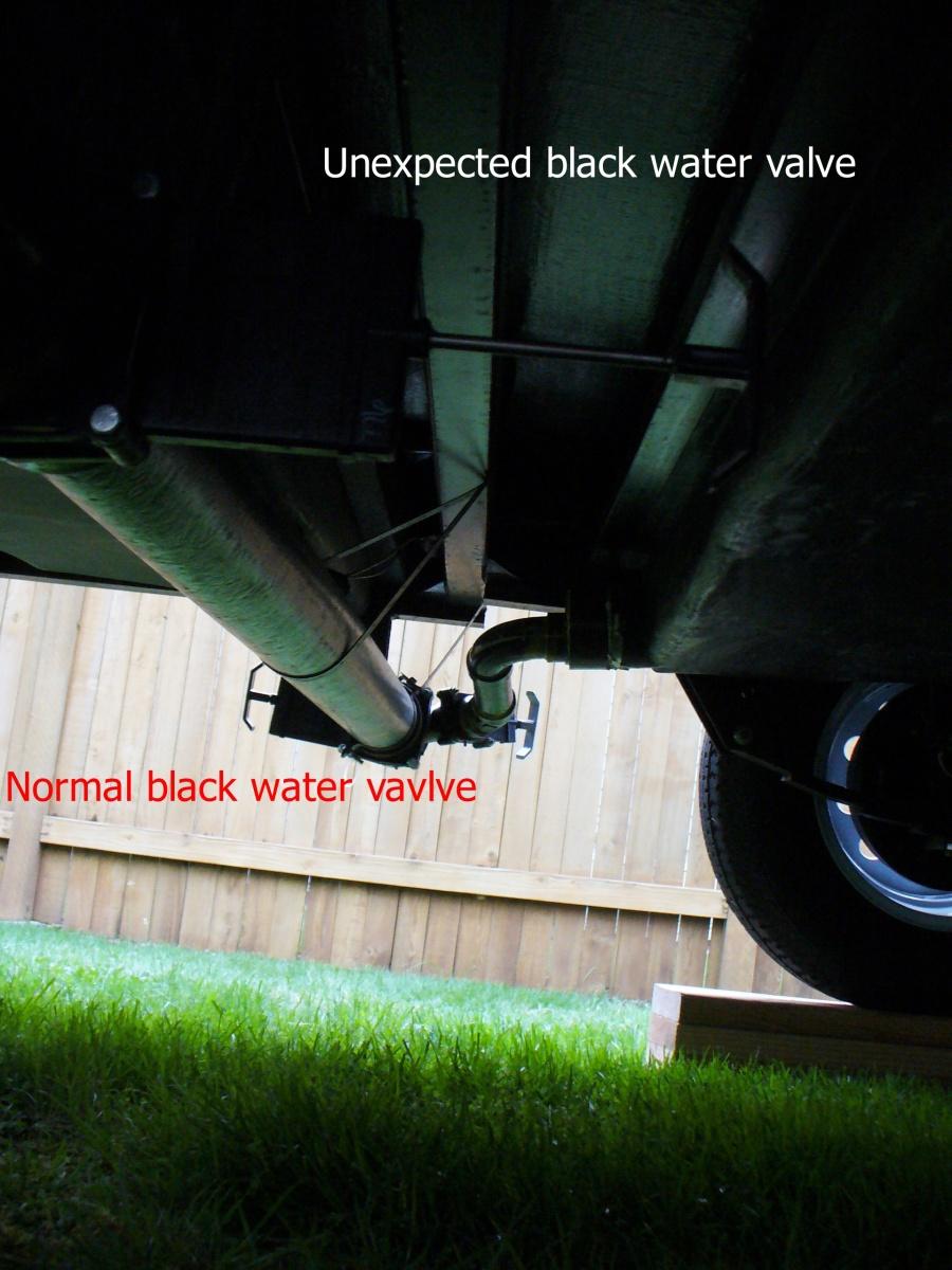 Click image for larger version  Name:2 black water valves.2.jpg Views:132 Size:307.6 KB ID:72589