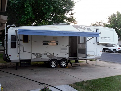 Click image for larger version  Name:Awning.jpg Views:102 Size:285.9 KB ID:74345