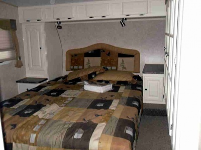 Click image for larger version  Name:bedroom (2).jpg Views:104 Size:39.4 KB ID:74346