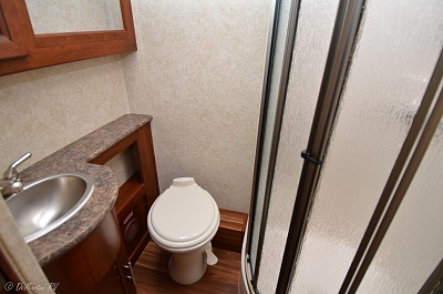Click image for larger version  Name:Gtowntoilet.jpg Views:266 Size:174.1 KB ID:74760
