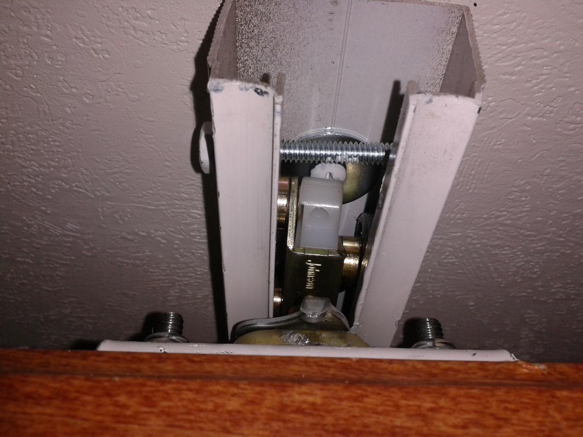 Click image for larger version  Name:2011 Surveyor hanger track with number 10 screws slide in.jpg Views:102 Size:302.6 KB ID:76318