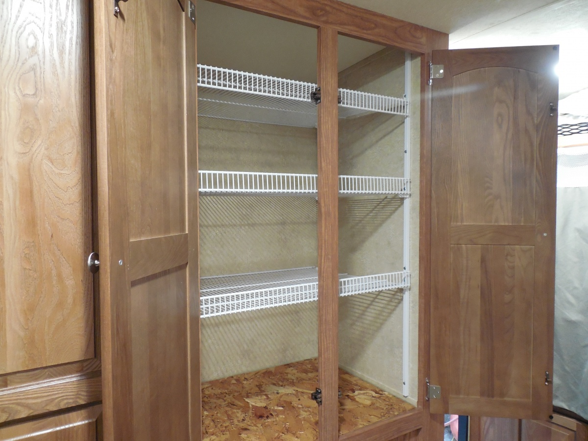 Click image for larger version  Name:21BD New Closet Shelving 1.jpg Views:270 Size:331.5 KB ID:77775