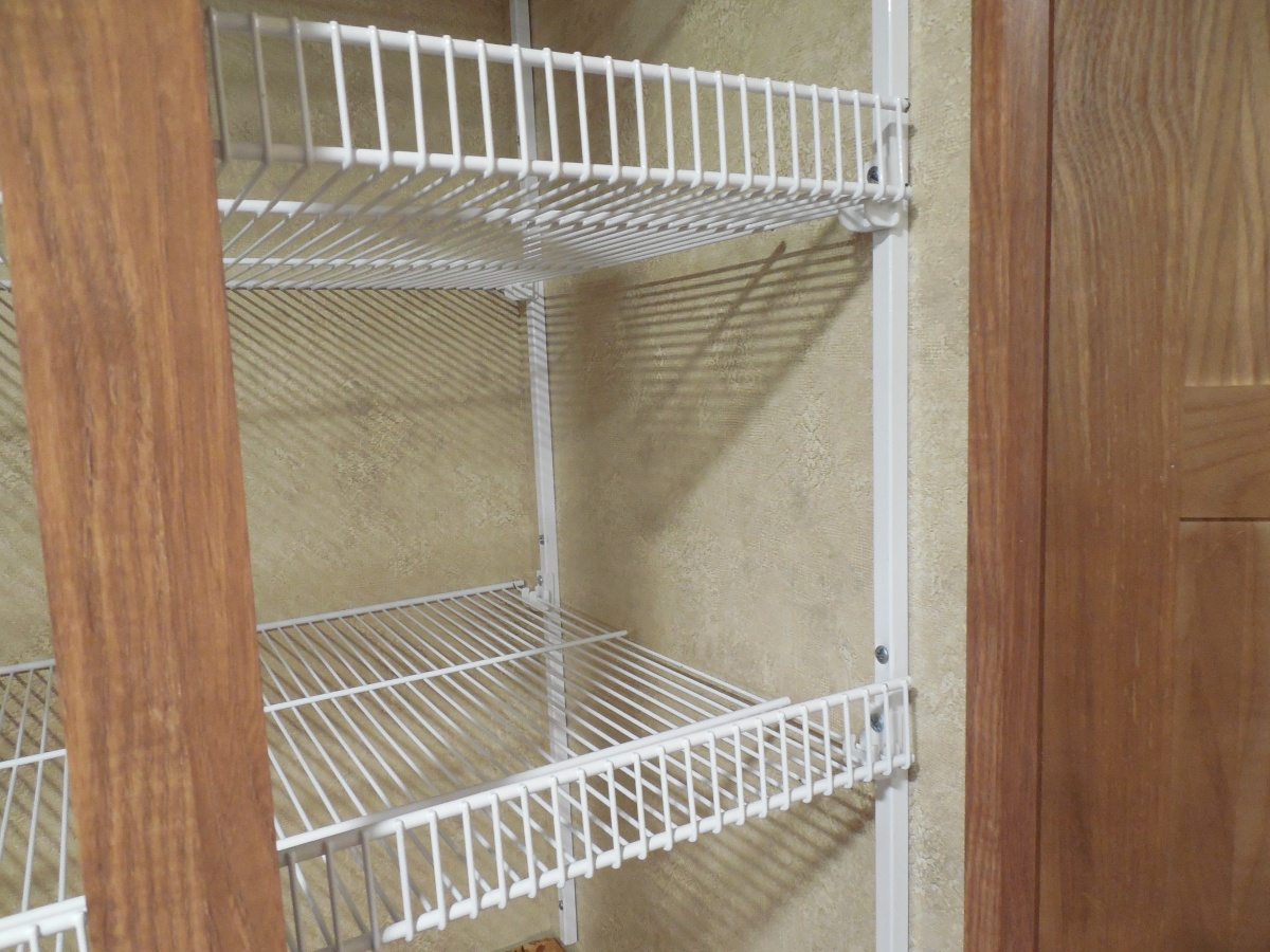 Click image for larger version  Name:21BD New Closet Shelving 2.jpg Views:73 Size:363.6 KB ID:77776