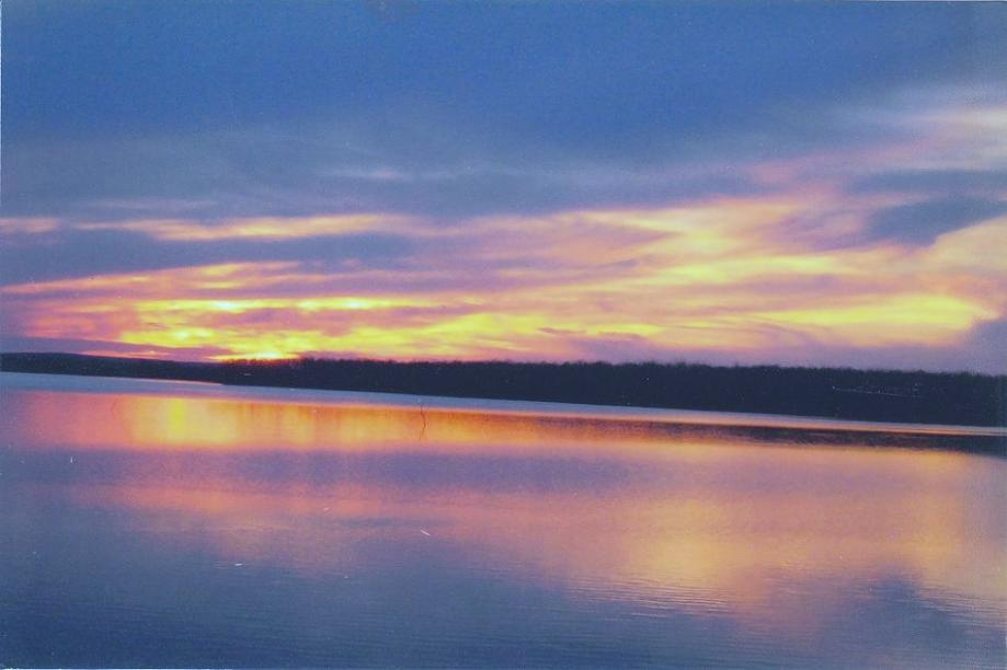 Click image for larger version  Name:Sunset.jpg Views:35 Size:47.6 KB ID:7835