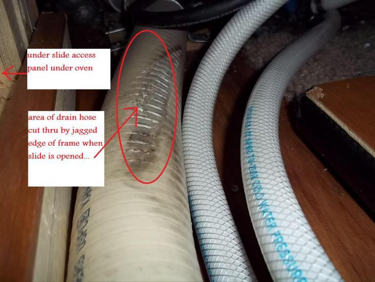 Click image for larger version  Name:damaged hose.jpg Views:51 Size:59.2 KB ID:8052