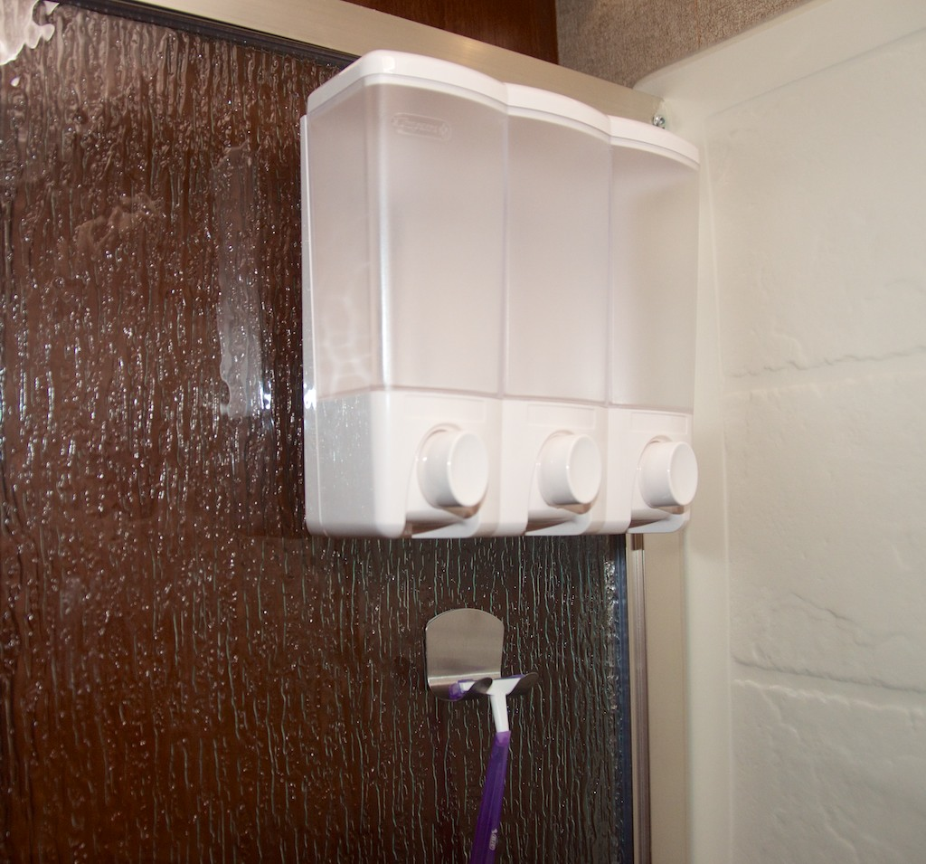 Click image for larger version  Name:Shower-2.jpg Views:50 Size:210.2 KB ID:82473