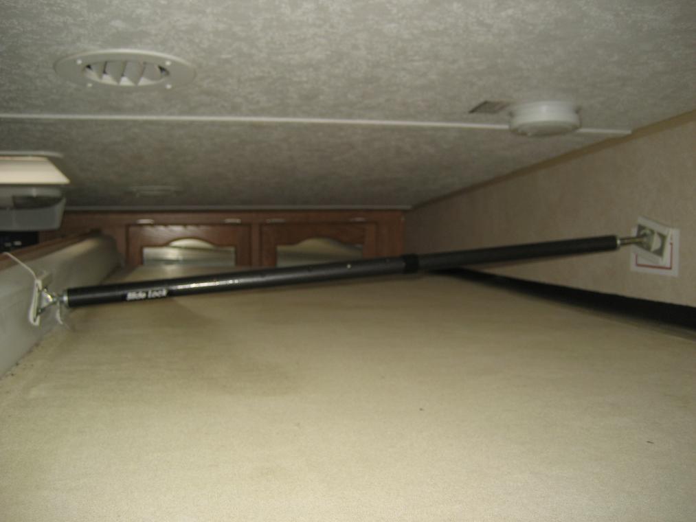 Click image for larger version  Name:Camper Slide Braces 005.jpg Views:82 Size:50.5 KB ID:8320