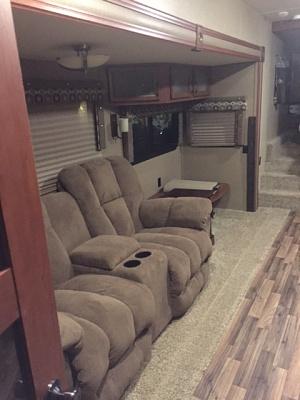 Click image for larger version  Name:zzzzzzzzzzzzzzzzzzzzzzz couch 2.JPG Views:167 Size:105.7 KB ID:86671