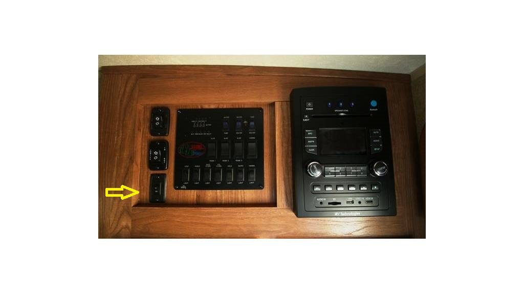 Click image for larger version  Name:8327 control panel.jpg Views:91 Size:62.7 KB ID:88191