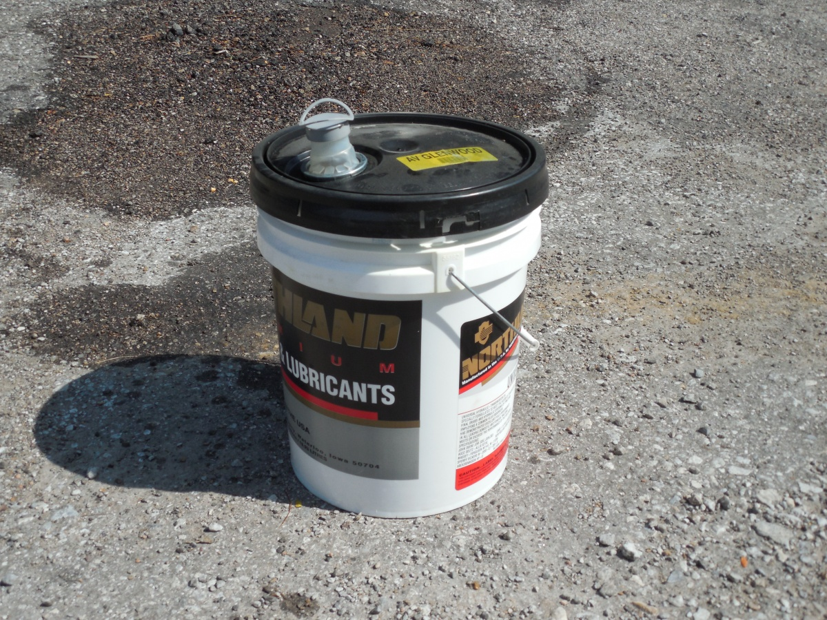 Click image for larger version  Name:Grey Water Bucket.jpg Views:107 Size:581.1 KB ID:88767