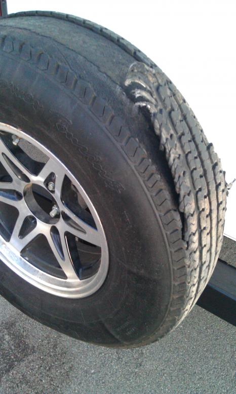 Click image for larger version  Name:Tire 1.jpg Views:50 Size:54.5 KB ID:8927