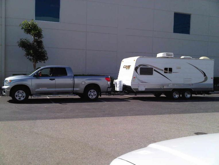 Click image for larger version  Name:trailer and truck.jpg Views:1122 Size:47.2 KB ID:9126