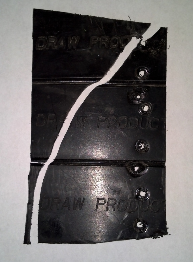 Click image for larger version  Name:Cable guide end broken.jpg Views:91 Size:152.8 KB ID:92177