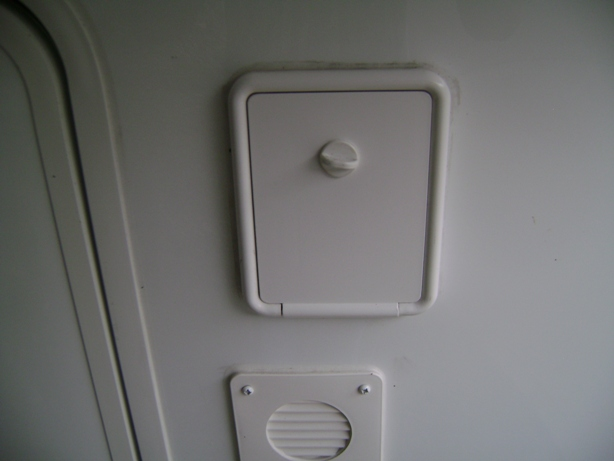 Click image for larger version  Name:Landing Jack Switch Compartment.JPG Views:165 Size:88.3 KB ID:92402