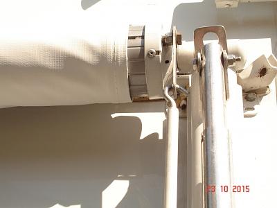 Click image for larger version  Name:Awning locks 001.jpg Views:103 Size:207.3 KB ID:92610