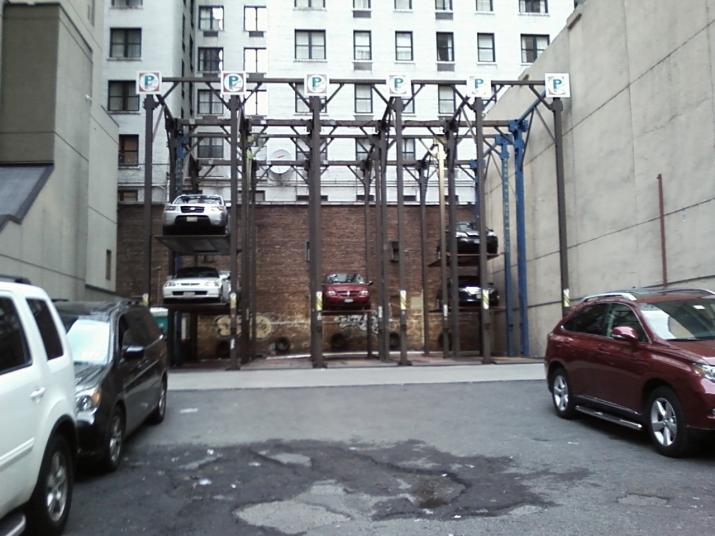 Click image for larger version  Name:One Way To Park In New York.jpg Views:100 Size:61.6 KB ID:9327