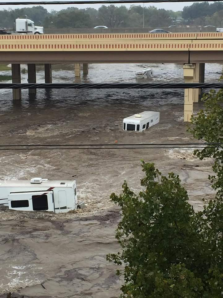 Click image for larger version  Name:flood rvs.jpg Views:161 Size:101.2 KB ID:93344