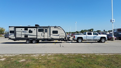 Click image for larger version  Name:Trailer and Sierra.jpg Views:106 Size:283.0 KB ID:93504