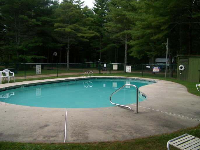 Click image for larger version  Name:9-18-11 Blueberry Pond Campground Pownal Me (3).jpg Views:65 Size:53.1 KB ID:9522