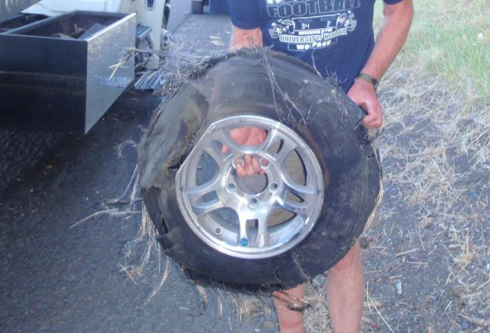 Click image for larger version  Name:Blown tire.jpg Views:137 Size:57.7 KB ID:9559