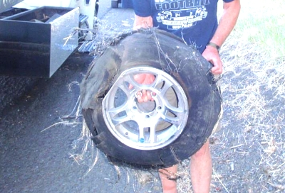 Click image for larger version  Name:Blown tire.jpg Views:165 Size:57.7 KB ID:9559