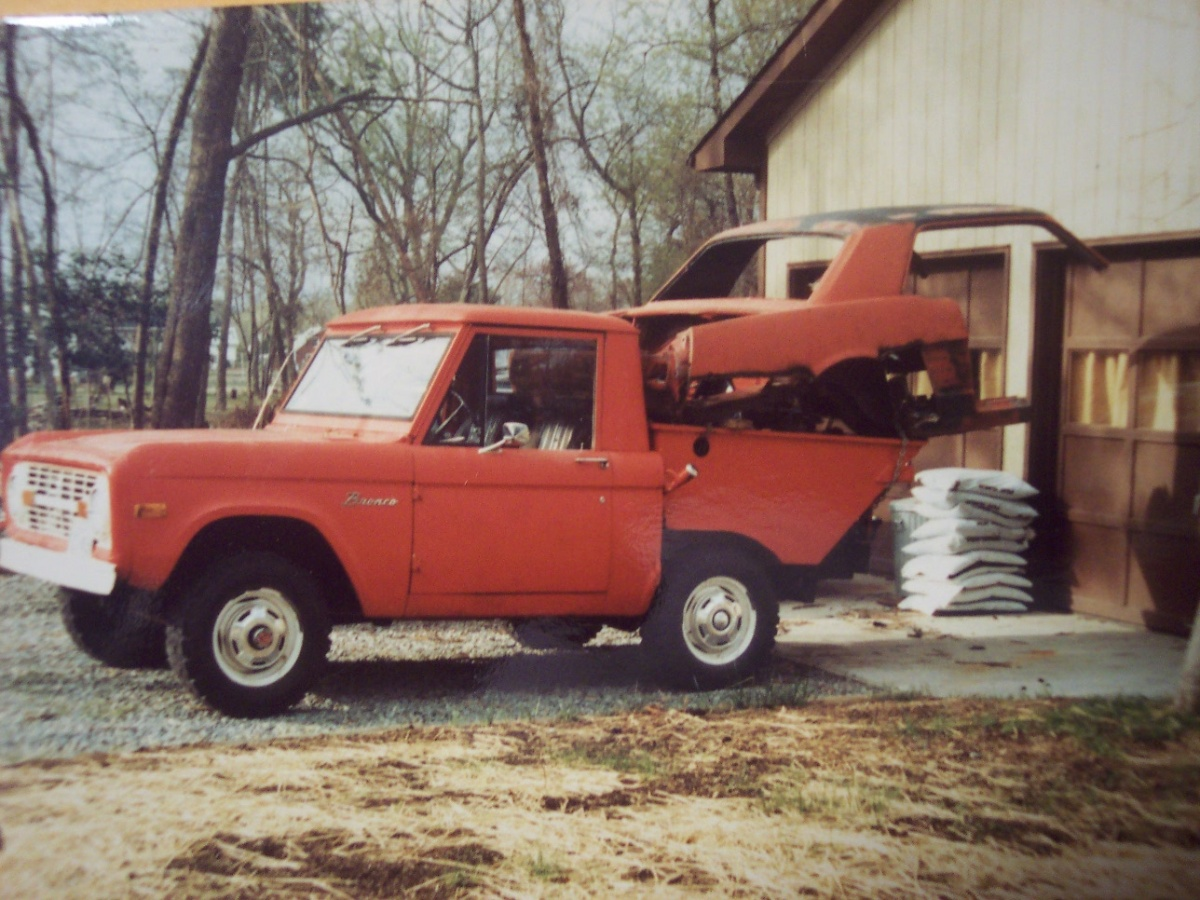 Click image for larger version  Name:bronco1.jpg Views:137 Size:348.8 KB ID:96277