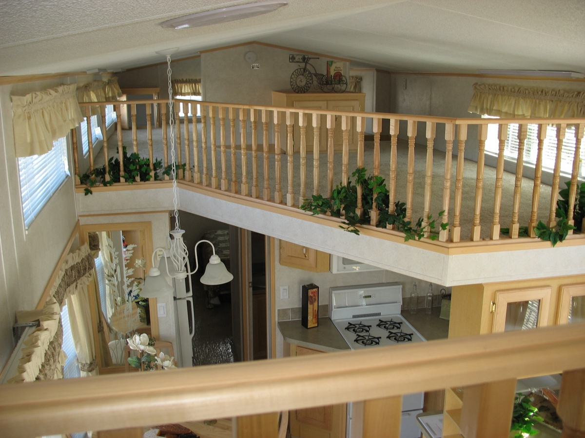 Click image for larger version  Name:Front Loft to Main Loft.jpg Views:46 Size:341.3 KB ID:98493