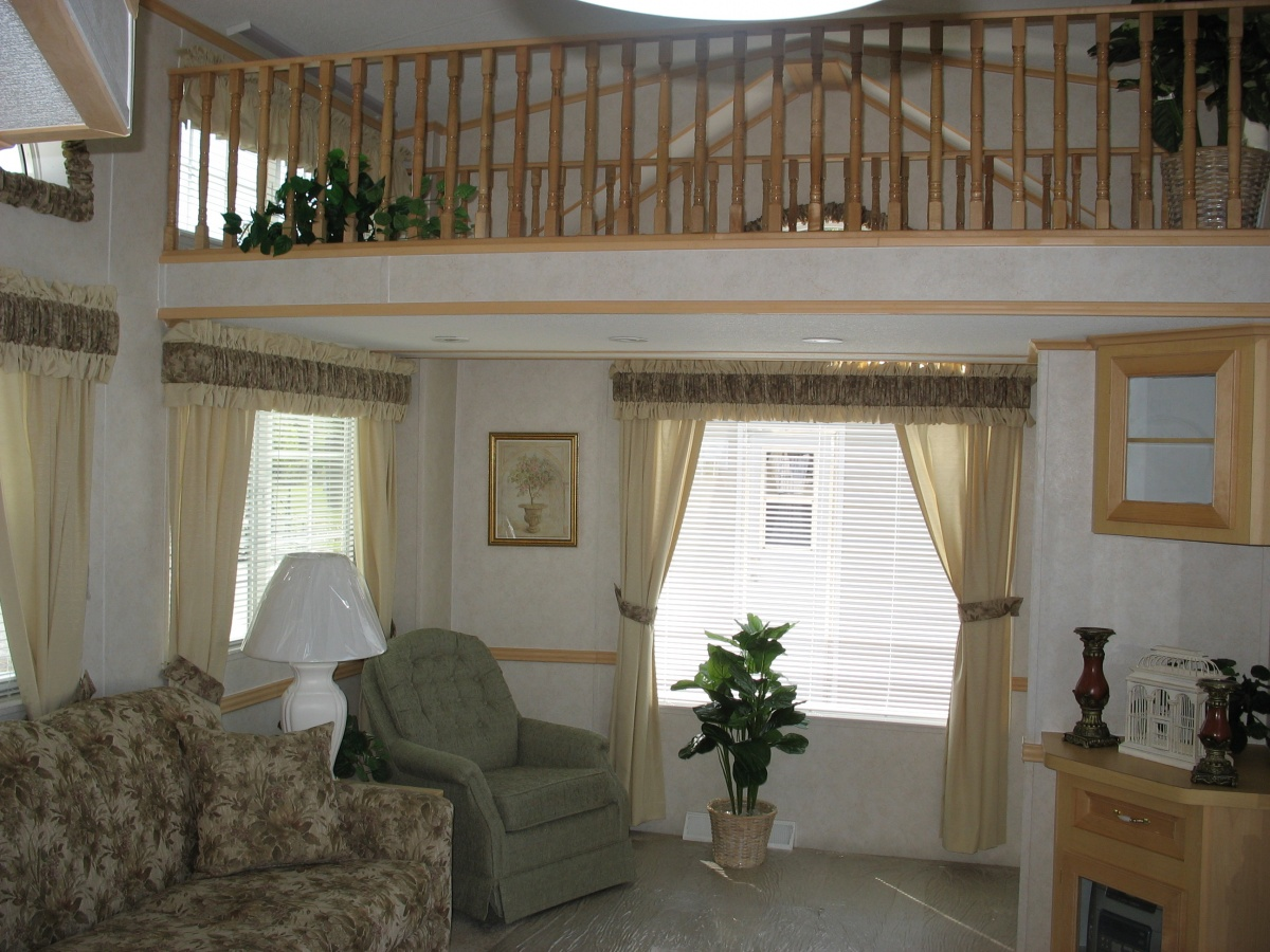 Click image for larger version  Name:Living Rm and Front Loft.jpg Views:46 Size:349.0 KB ID:98495