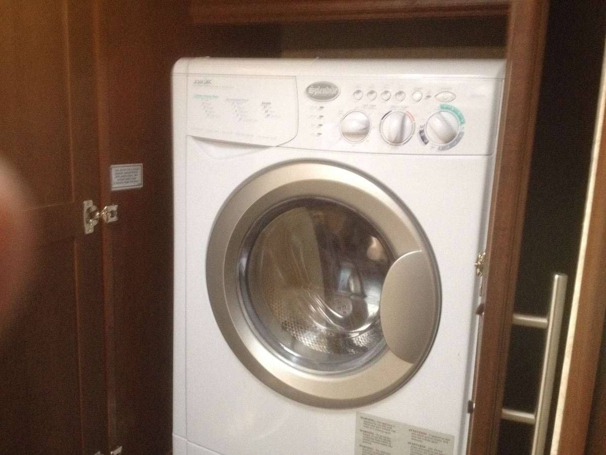 Click image for larger version  Name:washer dryer installed 009.jpg Views:63 Size:340.3 KB ID:99281