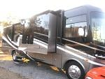 2014 Georgetown xl 378 with slides out